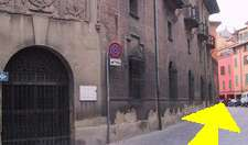 bed & breakfasts and places to visit for antiques and antique fairs in Bologna, Italy