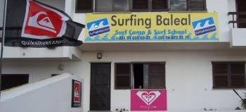 Surfing Baleal - Surf Camp and School, Baleal, Portugal